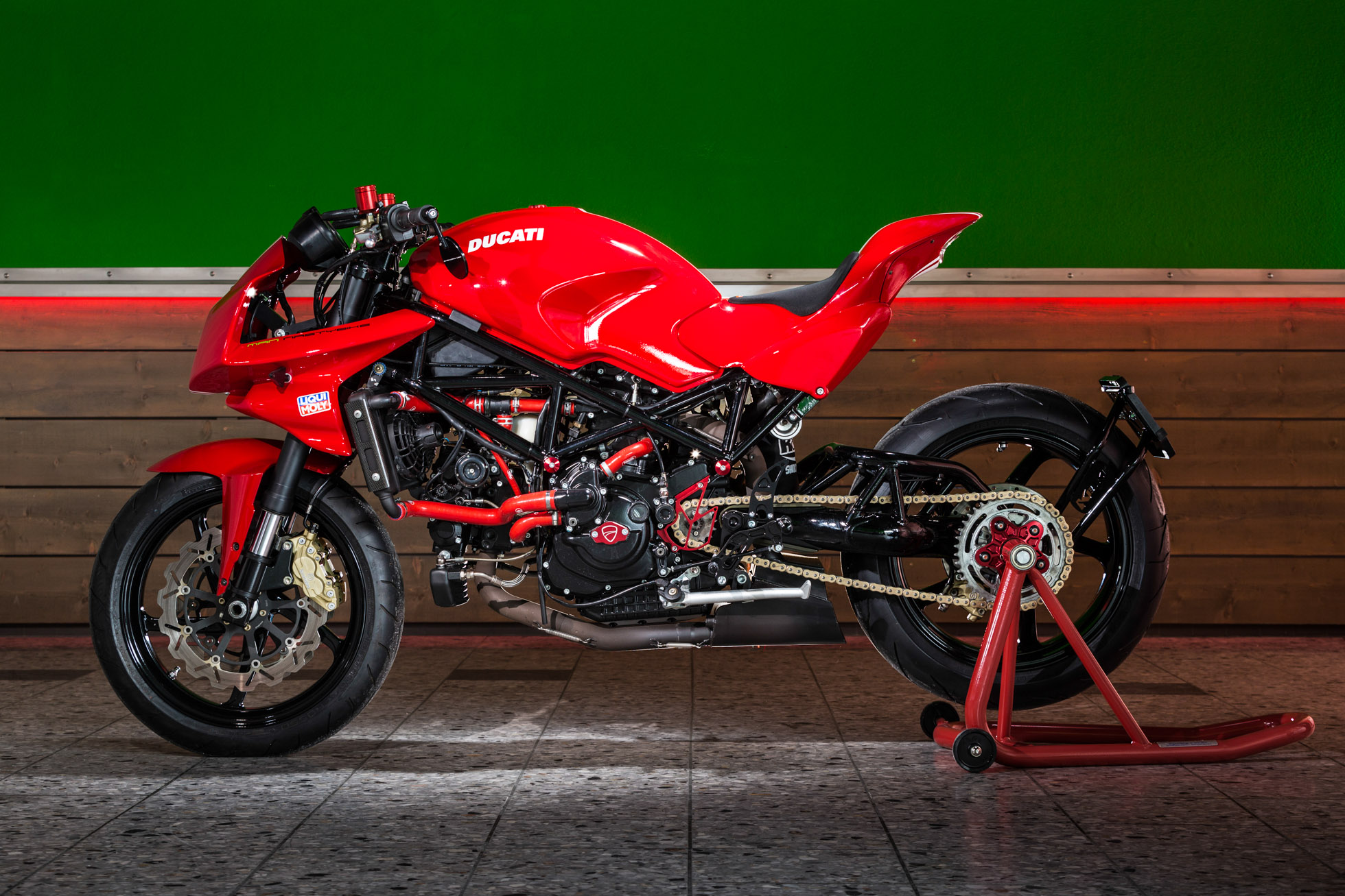 Ducati Monster S4R - man-nastybike